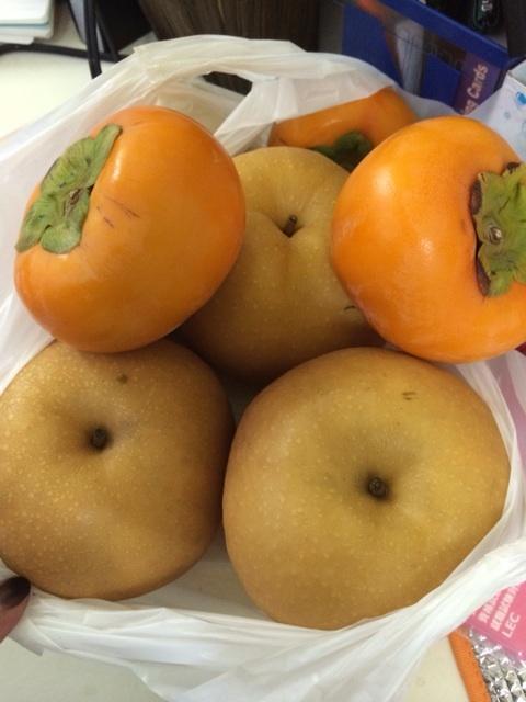 梨の皮むき選手権「タブチvsヒカル」